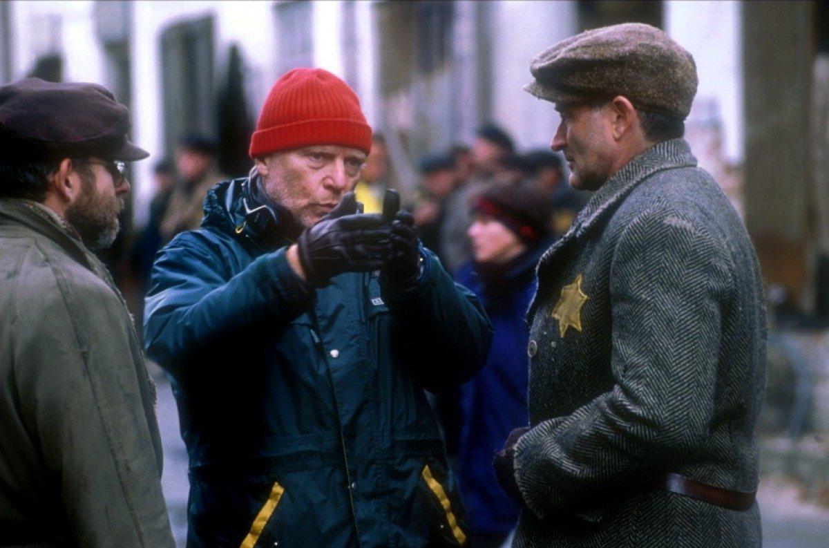 LOrdre-et-la-Morale-Papa-Peter-et-Robin-Williams-tournent-Jakob-le-Menteur dans Fiche et critique du film