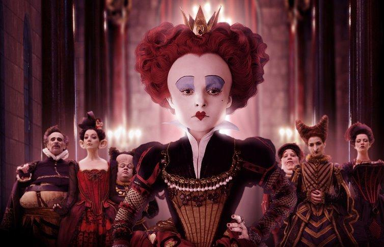 Helena-Bonham-Carter-la-Reine-Rouge-Alice-au-Pays-des-Merveilles