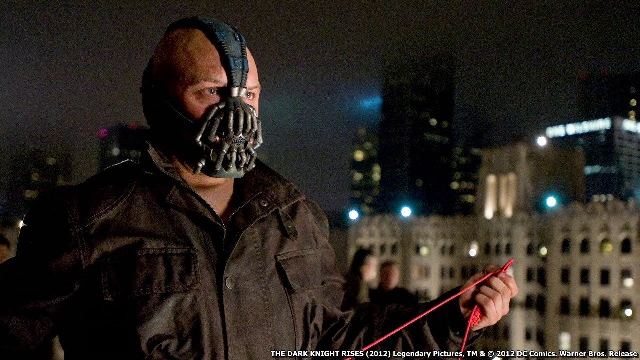 The-Dark-Knight-Rises-08 dans Fiche et critique du film