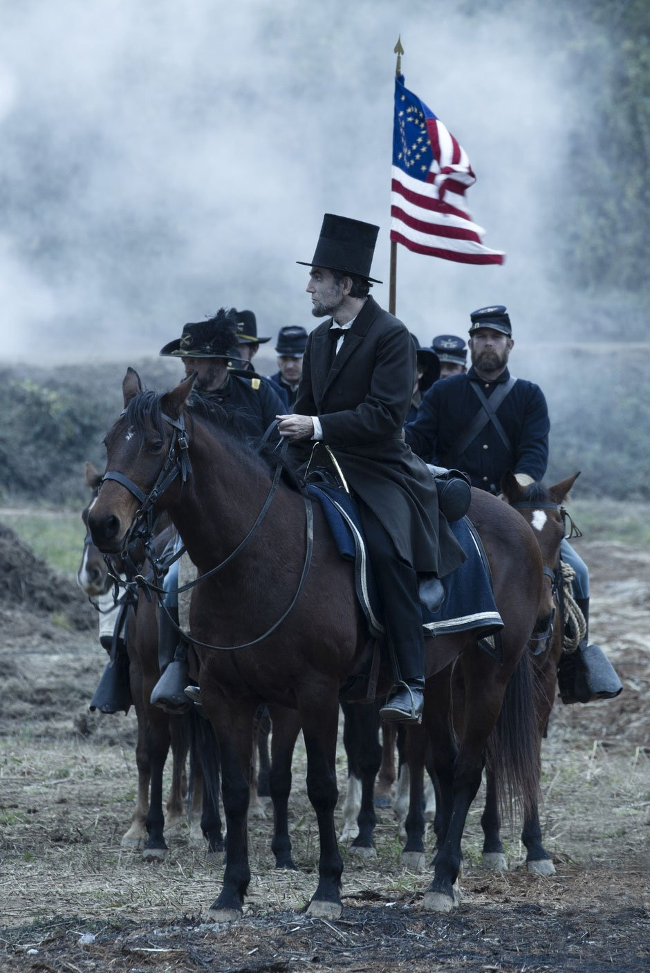 Daniel-Day-Lewis-in-Lincoln-2012-Movie-Image-4