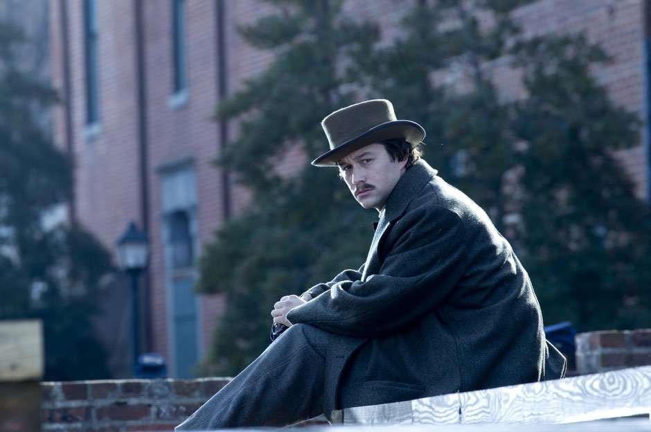 Joseph-Gordon-Levitt-in-Lincoln-2012-Movie-Image