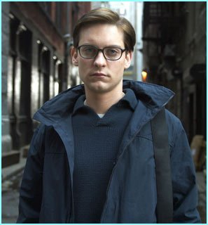 p-peter-parker-avant-spider-man-version-cinema-joue-par-tobey-maguire